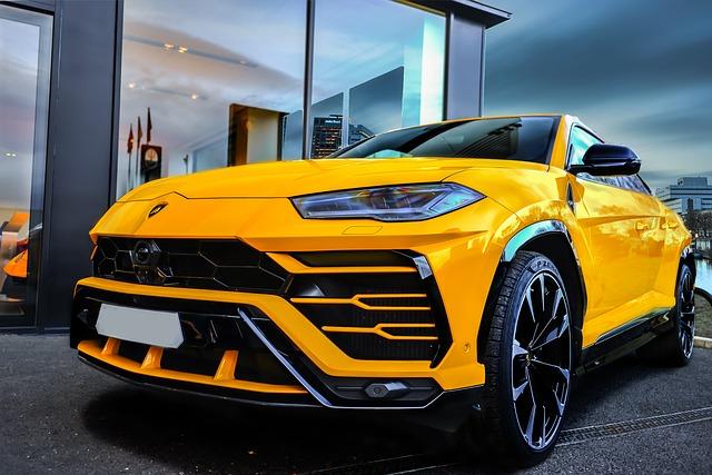 Urus-suv-Lamborghini